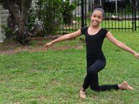 Lauren-Guzman-kneeling